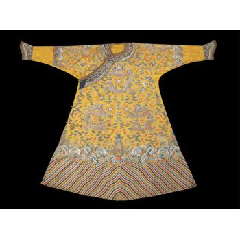 Халат китайского императора Цяньлуна из династии Цин , Знаменитые second hand Европы